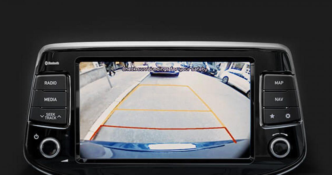 Hyundai i30 Karavan - displej kamere za parkiranje