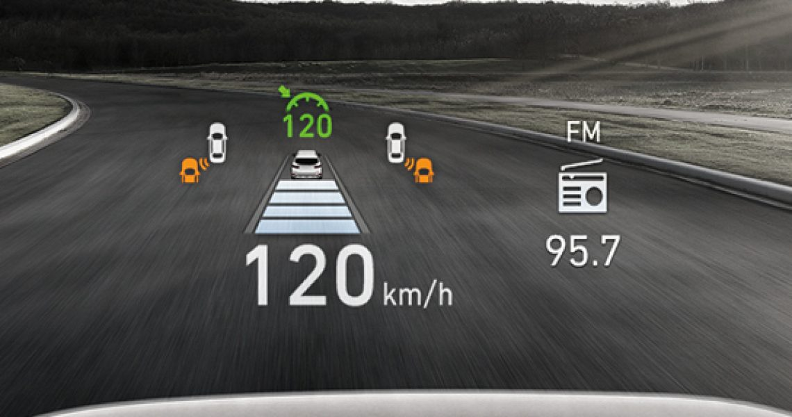 Bitni parametri u i oko vozila na ekranu projektovani su na vetrobran