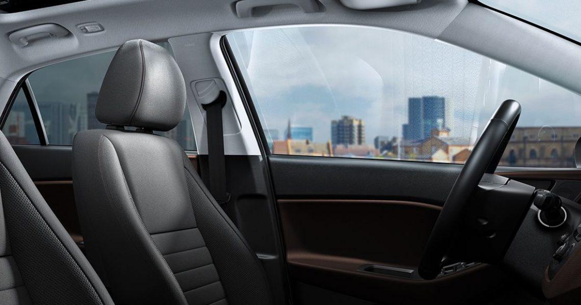 Hyundai i20 - prednja sedišta