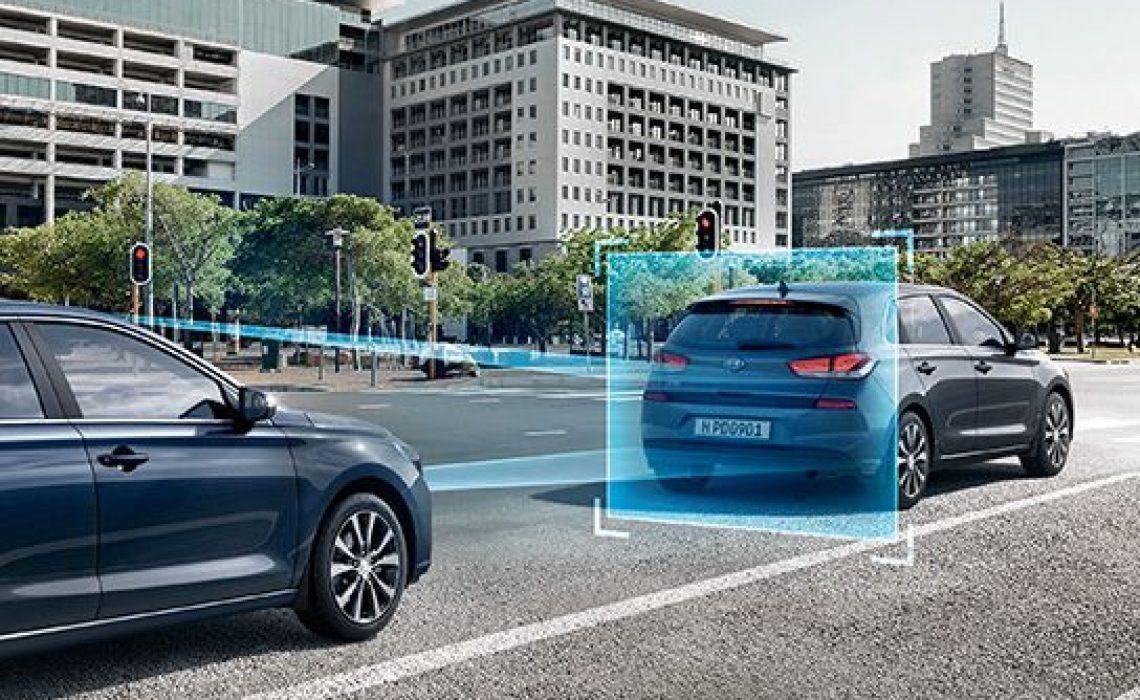 Hyundai i30 - automatski kočenje u slučaju prepreke (AEB)