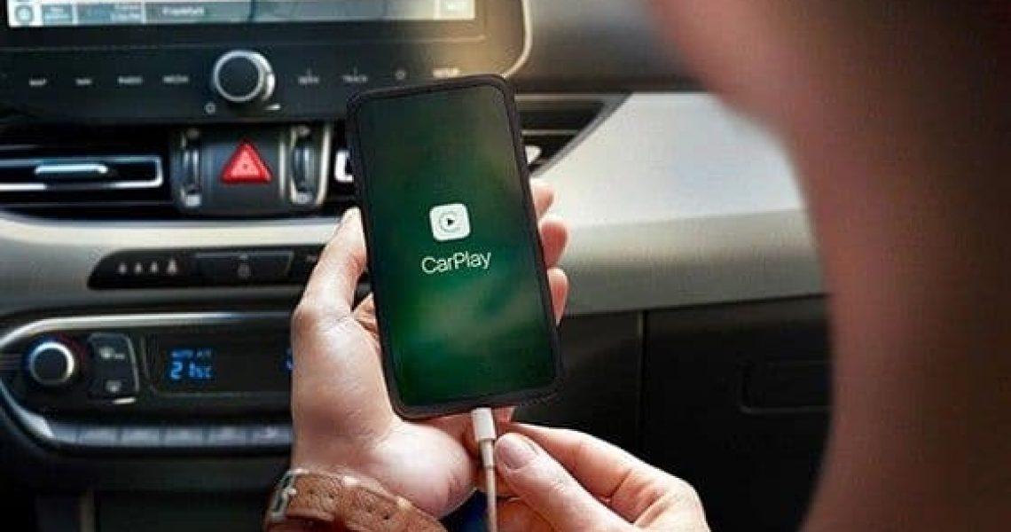Lako povezivanje sadržaja telefona sa displejem unutar vozila